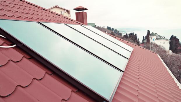 Pannelli solari termici vetrati a tetto