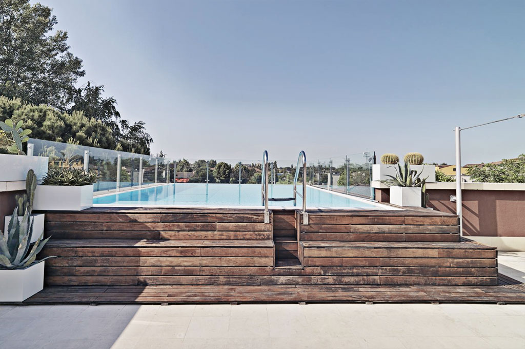 piscina esterna in legno casa affini